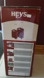 Heys Crown L Red 2 Piece Spinner Luggage Set NEW
