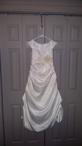 Beautiful flower girl dress-size 10