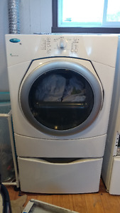 White Whirlpool duet Washer & Dryer -  Laveuse /Sécheuse blanche