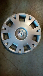 Enjoliveur (wheel cover) Mazda 15 pouces