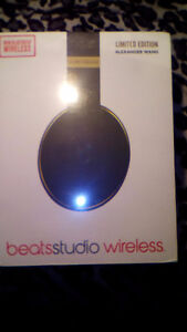 Alexander Wang Studio Beats, Limited Edition Save 10 %Off Price Stratford Kitchener Area image 1