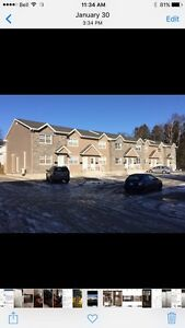 3 bedroom townhouse close to hospital