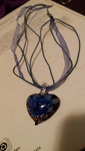 Glass heartshaped flower necklace