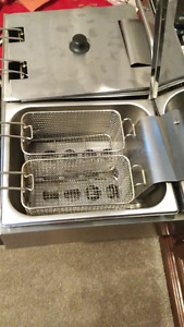 Two compartment deep fryer