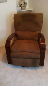 2 LAZY BOY Recliners 40 each