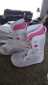 Snowboard boots, girls size 1