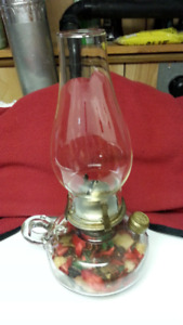 VINTAGE FINGER OIL LAMP - WORKING CONDITION