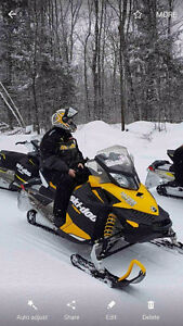 2012 ski doo 600 sport LOW KMS