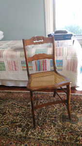 5 antique caned chairs Kingston Kingston Area image 2