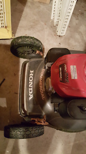 Honda commercial mower with bagger