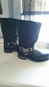 Men's size 7 Leather boots