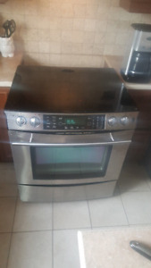 JENN AIR STOVE/RANGE FOR SALE FOR PARTS/REPAIR
