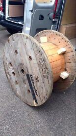 Cable reel/spool large. Ideal for garden table, kids table, coffee table.