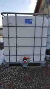 1000l WATER CONTAINERS