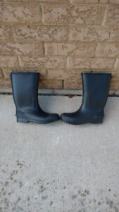 Kids size 8 high quality rubber boots