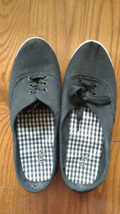 Women's black canvas shoes, size 8