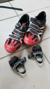 Specialized SPD shoes and look pedals size 11.5 mens