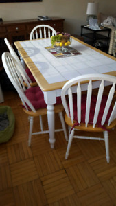 Country style kitchen/dining table