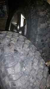 Jeep rubicon rims and tires. 17 inch London Ontario image 4