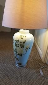 Wren table lamp
