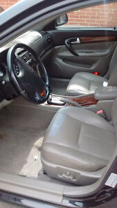 2004 Chevrolet Epica saftied and etested 2500$ obo London Ontario image 3
