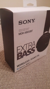 Sony Wireless Sound-Isolating Headphones with EXTRA BASS