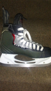 Like new Synergy skates for sale adult size