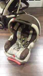 Graco car seat with base West Island Greater Montréal image 1