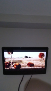 22 inch flat screen tv 60$ obo