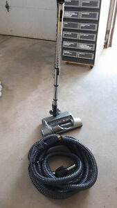 central vac hose and power head Kitchener / Waterloo Kitchener Area image 1
