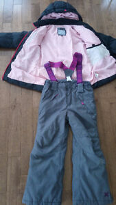 Winter coat and snow pants for girl age 6 to 7 West Island Greater Montréal image 4