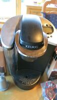 Keuring Coffee Machine with two boxes of Hot Chocolate K-cups