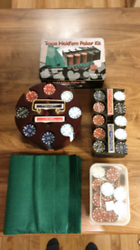 Huge numbered poker set with extras. 498 chips.
