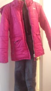 gr- sizes 8 & 14)    (2 )Habits de neiges - 2 Winter Snow suits