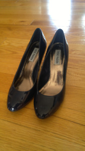 Size 8 Navy Blue Steve Madden shoes
