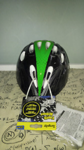 Turnpike boys helmet green and black ages 5+
