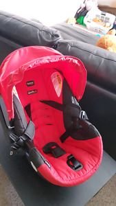 Britax B safe 35 infant car seat with base