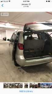 2005 Toyota Sienna- contact 905 902 1404