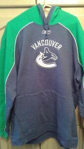 Reebok Vancouver Canucks NHL hooded sweatshirt