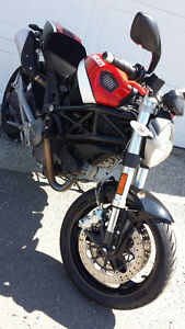 2010 Ducati 696 Monster ABS