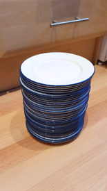 33 x 7 inch white and blue Dudson desert plates