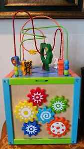 TODDLER KIDS ACTIVITY CUBE TOY