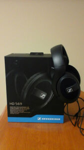 Sennheiser HD 569 Noise Isolating Headphones