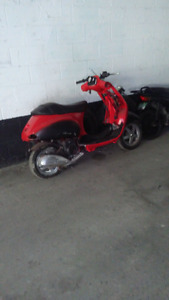 Vespa. 150 2007 $ 200. It's just for spare parts