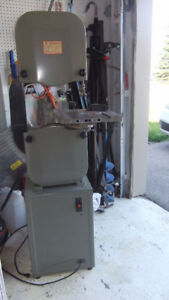 busy bee 14inch wood/metal cutting bandsaw ,exc cond