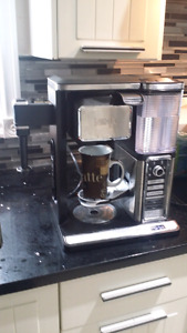 USED TWICE NINJA BAR COFFEEMAKER THERMAL CARAFE AND FROTHER ICE