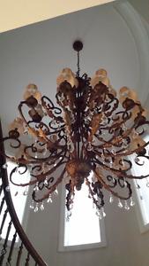 Majestueux Grand Lustre Haut de Gamme, 21 ampoules, en fer forgé