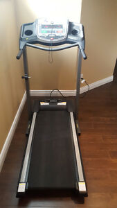 Treadmill - Tempo Fitness 611T in Mint condition for sale Kingston Kingston Area image 3