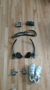 Assorted Roadbike accessories - shoes, carbon fibre aerobars