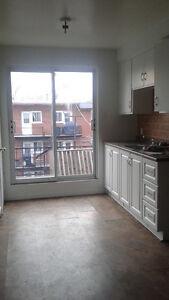 MONTREAL - Beau Logement Appartement Rénové ** 5 1/2 ** à louer